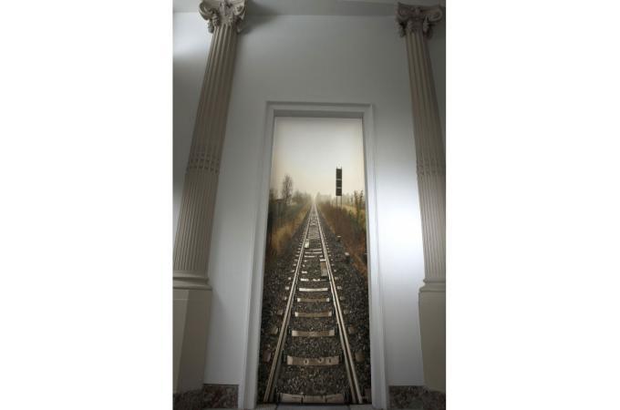 d co de portes et murs en velours chemin de fer papier peint trompe l 39 oeil pas cher. Black Bedroom Furniture Sets. Home Design Ideas